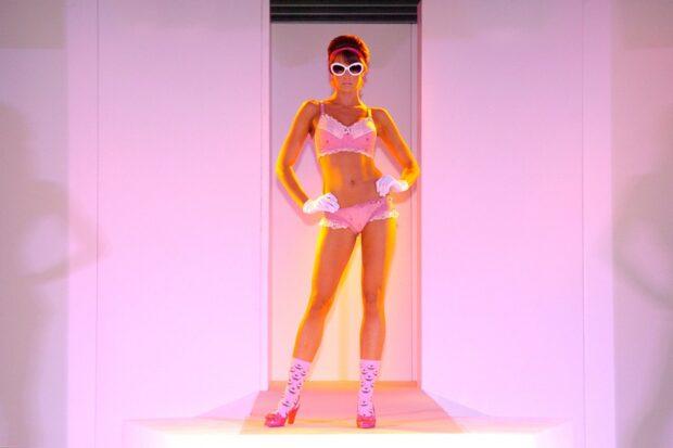A model in a cupcake lingerie